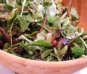 Field Salad with Snow Peas, Grapes & Goat's Cheese