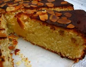 Almond, Hazelnut and Apple cake with Almond Crunch Topping